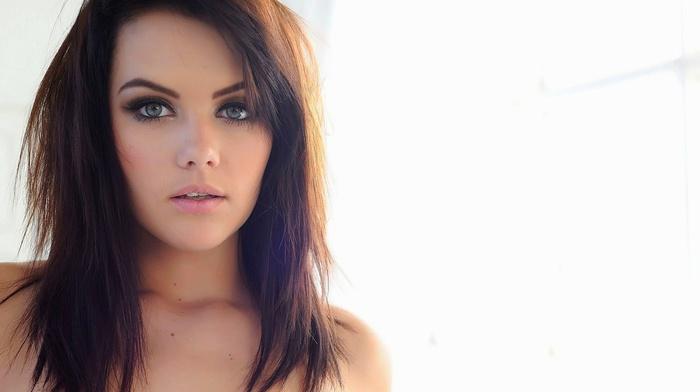 Melissa Clarke, face, white background, bare shoulders, blue eyes, brunette, kohl eyes, lips, simple background, girl
