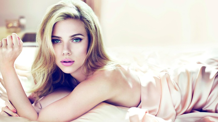lying down, Scarlett Johansson, green eyes, girl, face, blonde, actress