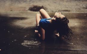 девушка, брюнетка, вода