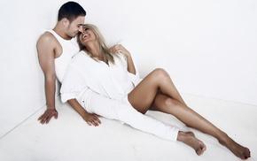 любовь, белая одежда, белая комната, пара влюбленных
