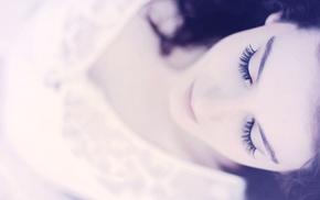 закрытые глаза, брюнетка, девушка, фильтр